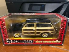 2003 Motorworks 1:24 Collection 1949 Ford Woody Wagon