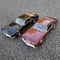1:18 Scale 1966 Toronado Road Signature Diecast Model Car Collection New In Box