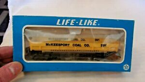 HO Scale Life-Like 40' Gravel Dump Car, McKeesport Coal, Yellow, #291