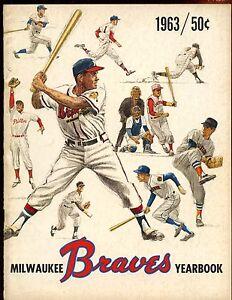 1963 MLB Baseball Milwaukee Braves Yearbook EX