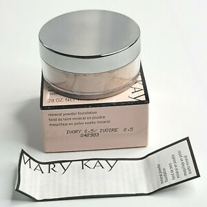 Mary Kay Mineral Powder Foundation Ivory .5 Size .28 oz or 8 g #040983 NIB
