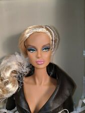 Integrity Toys Fashion Royalty Irresistible Dania Zarr NRFB .