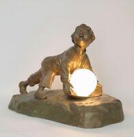 """Seltene antike Figuren Lampe sig. """"TH. CARTIER"""" Junge mit Ball um 1930 Skulptur"""