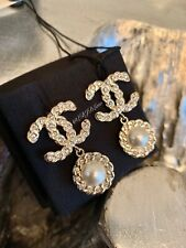 CHANEL 19P Pearls Coronation Earrings CC Gold CRYSTAL Pearl Drop STUDS 2019 NEW
