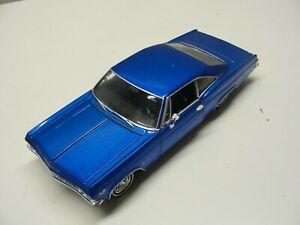 WELLY 1965 CHEVROLET IMPALA SS 396 BLUE 1:24 SCALE DIE-CAST CAR