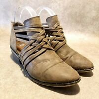 Maurices Womens   Sz 8 M Tan  Strappy Open Side Ankle Boots Zip