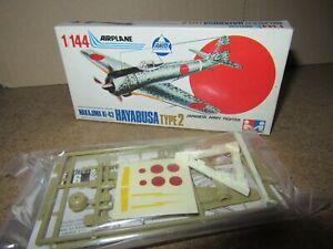 461Q 1975'S AHM No K405-79 Maquette Nakajima Ki-43 Hayabusa Type 2 1:144 + Boite