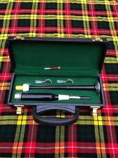 4407b74f5b Scottish Highland Dos Tono Gaita Práctica puntero con caja y 3 lengüetas de  plástico
