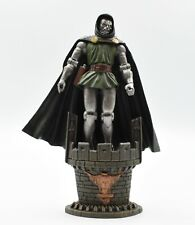 ToyBiz - Marvel Legends Series II - Dr. Doom Action Figure with Stand