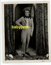 RUDOLPH VALENTINO ORIGINAL 8X10 PHOTO BY NEALSON SMITH 1920's IN PERIOD COSTUME