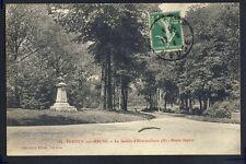 Carte Postale VERDUN (Meuse) Le JARDIN d'HORTICULTURE Buste de Ferdinand JAPIOT