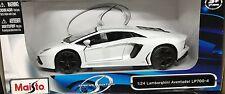 Maisto - 31210 - Lamborghini Aventador LP700-4 Scale 1:24 - White
