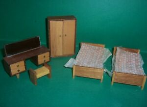 VINTAGE 1970's LUNDBY BARTON DOLLS HOUSE TWIN BEDROOM SUITE