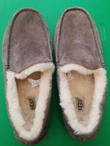 UGG Australia Ascot 5775 Grayish Brown Suede Slippers Men's Size 12, EUR 35.5