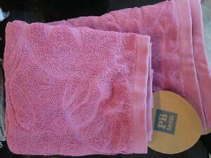 POTTERY Barn Teen Greenwich Garden bath and hand towel Mauve New