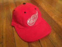 90s Pro Player Detroit Red Wings Reversible Cap Black/Red Flip OSFM
