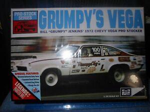 """Vintage MPC, 1:25,Plastic Model Kit, """"Grumpys Toy"""" Pro Stock Vega, New Kit.!!"""