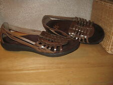 Womens 9.5 9 1/2 LIFESTRIDE brn faux Leather HUARACHE SANDALS Shoes BARELY WORN!