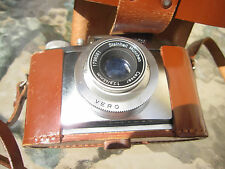 Vintage Braun Gloriette camera in case