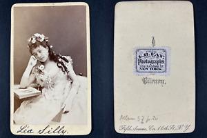 Fay, New York, Paris, Mademoiselle Silly, comédienne Vintage cdv albumen print.