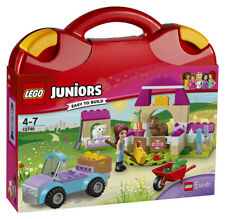 Lego Juniors Friends Mia's Farm Suitcase (10746)
