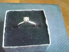Exquisite 14k White Gold Ring With Diamond Size 5.5