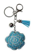 Bijoux de sac, porte-clés fleur rose strass cristal bleu et blanc.