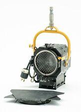 Desisti 1k - 1000 Watt Fresnel w/ Junior Pin and Barndoors