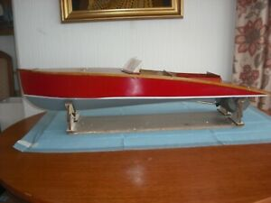 Rare model boat. Large, radio controlled traditional Slipper Launch, ready to go