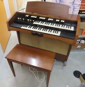 Hammond L122 Organ with Stool - Vintage Musical Instrument, L100 Series