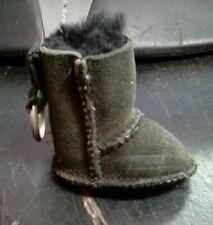 Ugg boot keychain black