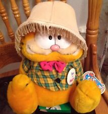 Garfield with Lamp Shade BORN TO  PARTY Cat By Dakin Plush Still has Tag Gift