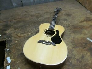 Alvarez Acoustic Guitar RF26   ( LOT A2345)
