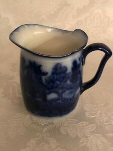 """DOULTON FLOW BLUE WILLOW SMALL PITCHER AMAZING DEEP BLUE COLOR!! 4.75"""" TALL"""