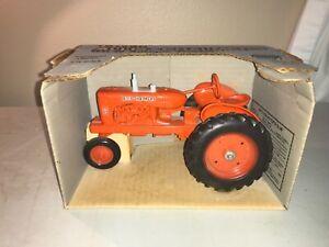 ERTL Allis-Chalmers WD-45 Antique Tractor Die-Cast Metal Replica 1/16 Scale