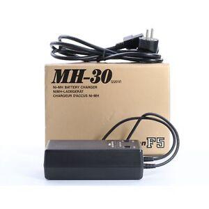 Nikon Schnell-Ladegerät MH-30 + TOP (234665)