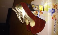 Womens wine colored pump, clear heel, gold strap Size 6