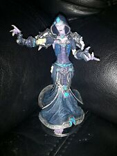 World Of Warcraft Confessor Dhalia Series 8 Action Figure Model DC Unlimited