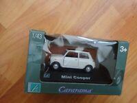 BOXED CORGI CARARAMA 1/43 CLASSIC WHITE MINI COOPER + BLACK ROOF DIECAST CAR