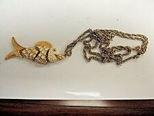 """Vintage 1970's Classic Articulating """"White & Gold Fish"""" With 30"""" Necklace"""