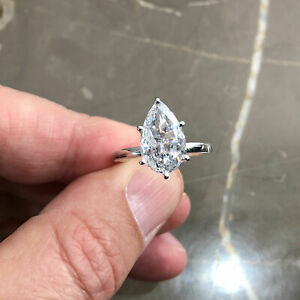 GIA CERTIFIED 0.53 Carat Pear shape D - SI1 Solitaire Diamond Engagement Ring