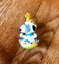 Vintage Snoopy Easter Figurine Woodstock Peanuts By UFS Sitting in a Cracked Egg