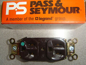 Lot of 2 Pass & Seymour 9300-HG Hospital Grade Brown DUPLEX RECEPTACLE 20A Boxed