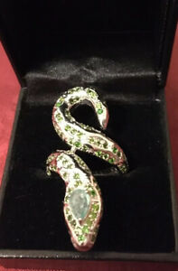 925 Silver Snake Shaped Ring, Set With Oval Cut Emerald & Chrome Diopside Size O
