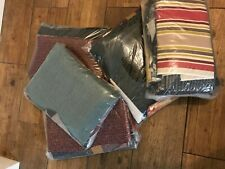 2kg (approx weight) fabric offcuts/pieces/scraps.Mixed colours, weights & sizes.