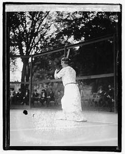 Mrs. Marion Finkelstein Jessup,playing tennis,tennis court,recreation,1922 7718