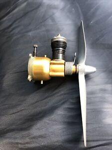 Cox Golden Bee 049 Engine