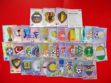 KOREA JAPAN 2002 SET COMPLETO 35 SCUDETTI BADGES WC WM ALBUM PANINI NEW STICKERS