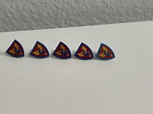 5 LEGO Shield Accessory Blue and Yellow Dragon Vintage Castle Kingdoms