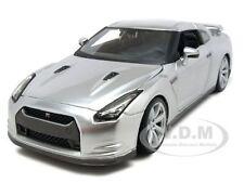 2009 NISSAN GT-R R35 SILVER 1/24 DIECAST CAR MODEL BY MAISTO 31294